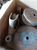 WOOD PULLEYS WITH IRON FRAMES