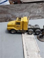 TOY PENNZOIL TRUCK AND CANDLE HOLDERS