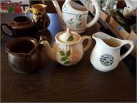 DECORATIVE TEA POTS & PITCHERS