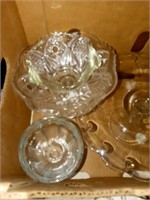 CLEAR GLASS WARE AND CAKE STAND