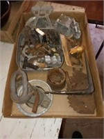 SEVERAL MISC SMALL METAL ITEMS