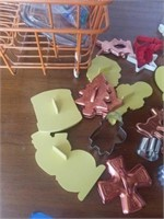 RUGS, AFGHAN,  DISH DRAINERS, COOCIE CUTTERS,