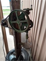 VINTAGE DRILL PRRSS ON STAND