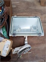 OUTDOOR WIRR AND FLOOD LIGHT