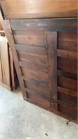 5 PIECES AND PARTS OF WOODEN BED FRAMES