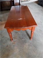 COFFEE TABLE AND WOOD BASE