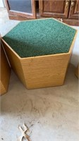 3 HEXAGON PADDED STANDS