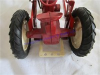 TRACTOR W/LOADER