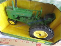 """JD """"G"""" TRACTOR"""