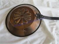 DECORATIVE PAN