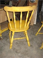 Yellow pedestal table & chairs