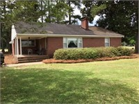 Three Bedroom Brick Ranch Home in the Country!