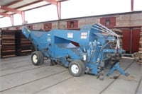 WEISS MCNAIR Super Vac 9800P Pull PTO Nut Harvester