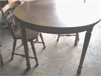 Round dining table w/2 chairs