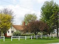 Real Estate in Altona, IL / 3BR Home on 1.36 +/1 Acres