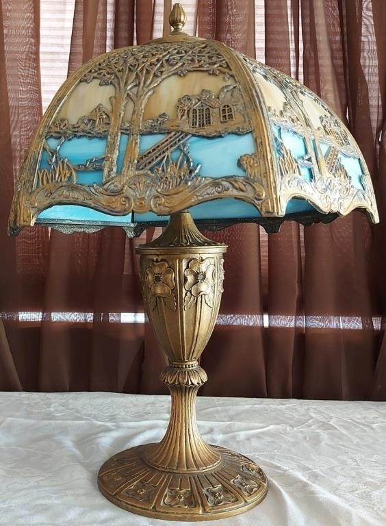 804 - VINTAGE STAINED GLASS & METAL TABLE LAMP