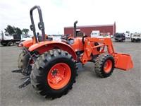 Kubota M7060D 4x4 Tractor Loader