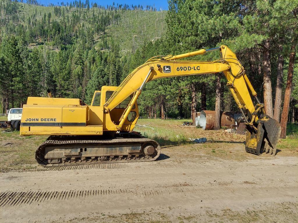 1989 John Deere 690D-LC Excavator