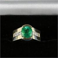 14 KP Gold Ring w/Emerald & Diamonds