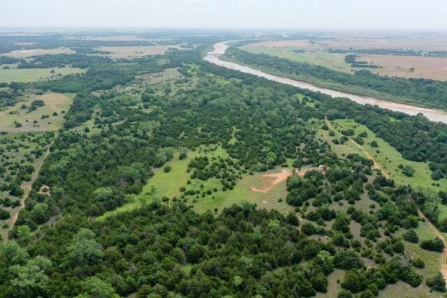 259±   Acres * Cimarron River Frontage