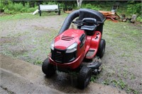 Craftsman LT2000 Lawn and Garden Tractor