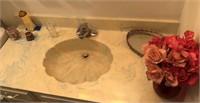 Contents of Hallway, Closet & Bathroom
