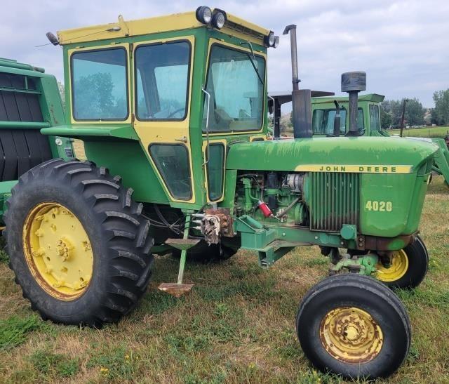 """John Deere """"4020"""" Tractor w/ Front End Loader"""