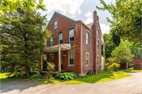 6 Bedroom Farm House on 3.1 Acres in Hempfield