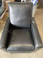LEATHER ELECTRONIC RECLINER CHAIR