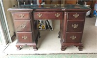715 - Antiques and Collectables Consignment Auction