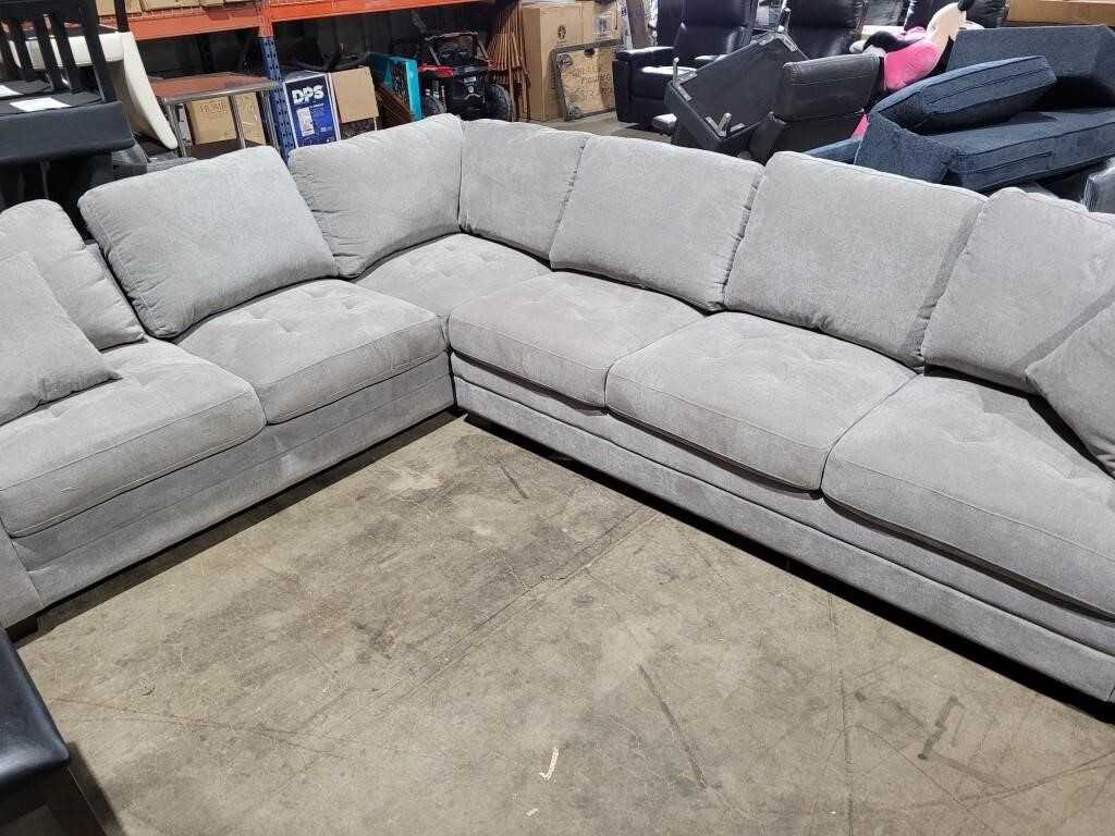 Thomasville 2 Pc Grey Fabric Sectional (Pre