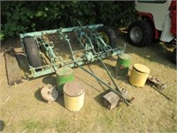 JD 2 row planter, pull type, Fert. Cans &Seed Cans