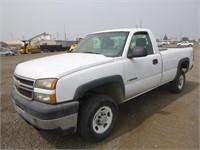 2006 Chevrolet 2500 HD Pickup Truck
