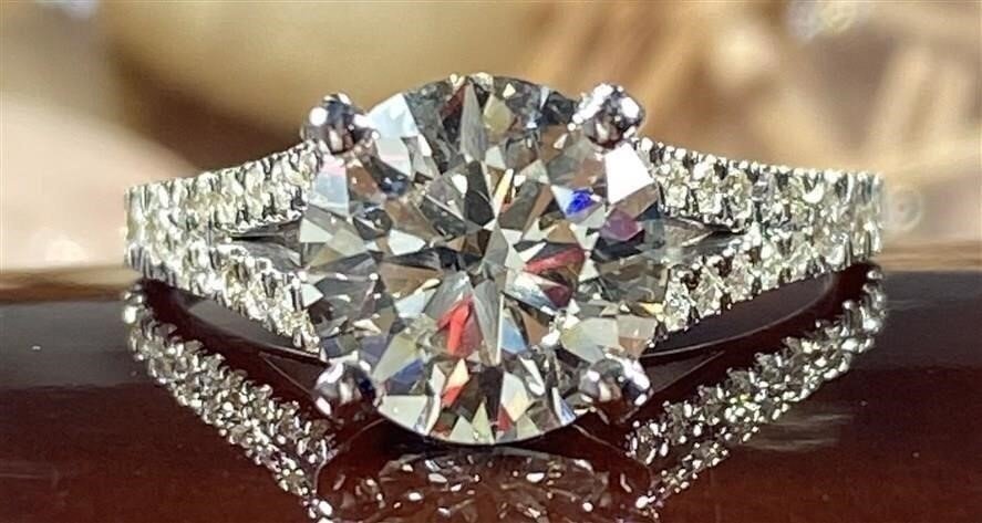 State Jewelry auction Ends Sunday 08/08/2021
