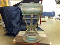 August 18th Antique & Collectible Auction