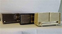 Vintage Radios and Banks Online Auction
