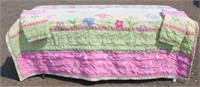 Quilt w/2-Pillow Shams