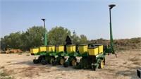 John Deere 6 Row Max Emerge 2 Corn Planter