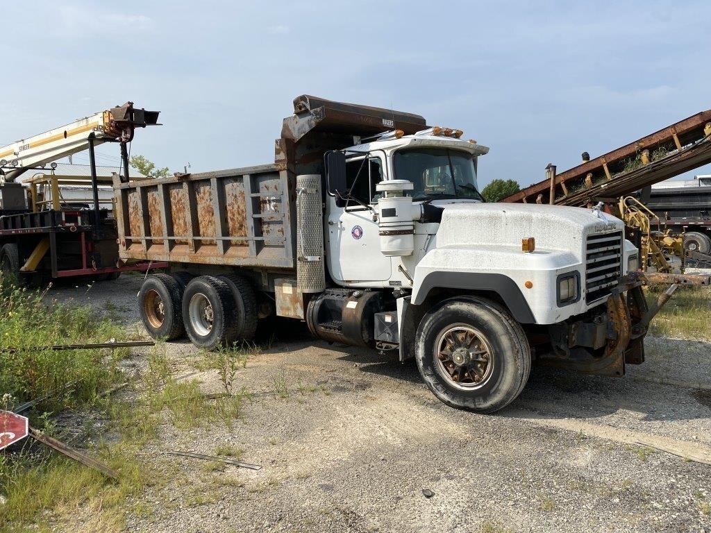 1994 Mack Dump Truck