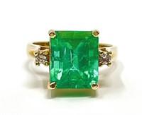 Ladies Emerald and Diamond Ring