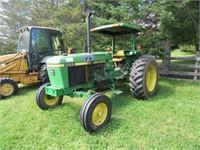 John Deere 2555 Tractor