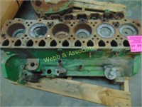 6 cylinder block and head (engine is stuck), cast