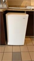 Sanyo tall bar fridge