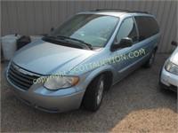 2005 Chrysler Town & Country, Light Blue,