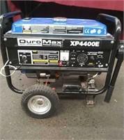 Blue DuroMax XP4400E Generator