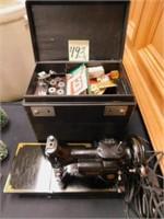 Singer 221 Sewing Machine w/ Case