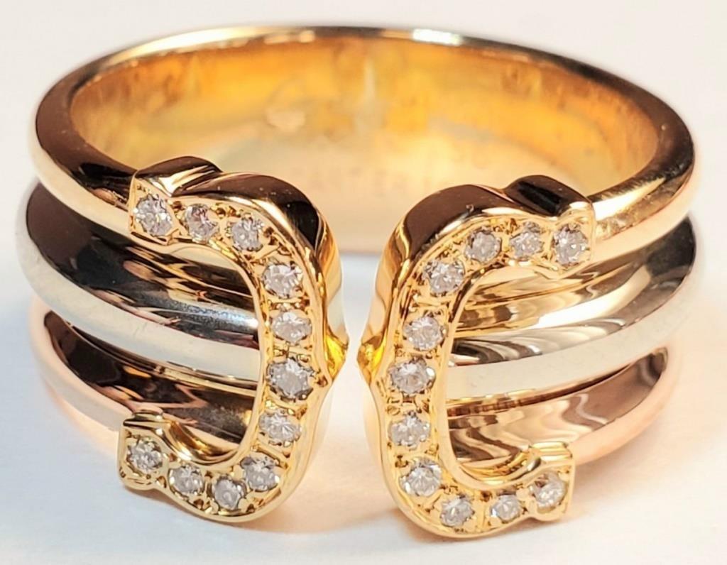 (61) - 18 K GOLD CARTIER LADIES EMBLEM RING