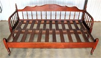 Day Bed (view 2)