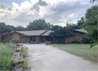 10/6 Attractive Home w/4 Car Garage, Shop, & Pool