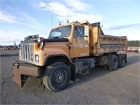 1992 International 2574 14' T/A Dump Truck
